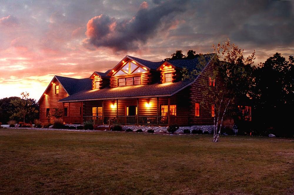 Twin Hollows Lodge at Dusk